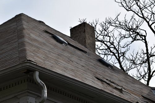 Is It Safe To Fix My Own Roof?
