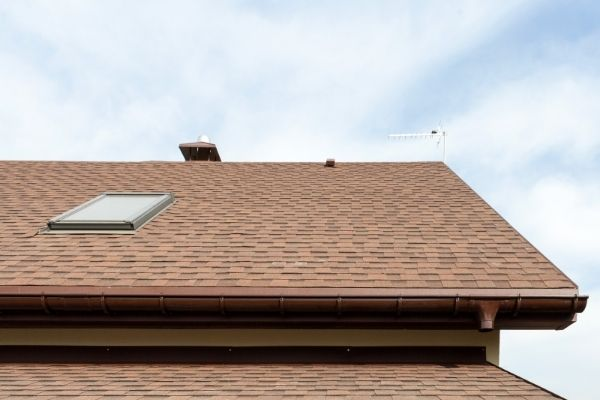 finding a good roofing contractor on the fly can be tough
